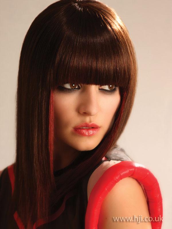 2009 straight brunette
