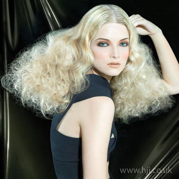 2009 volume curls7
