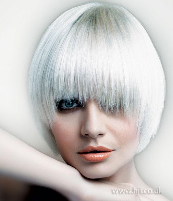 2009 white bob
