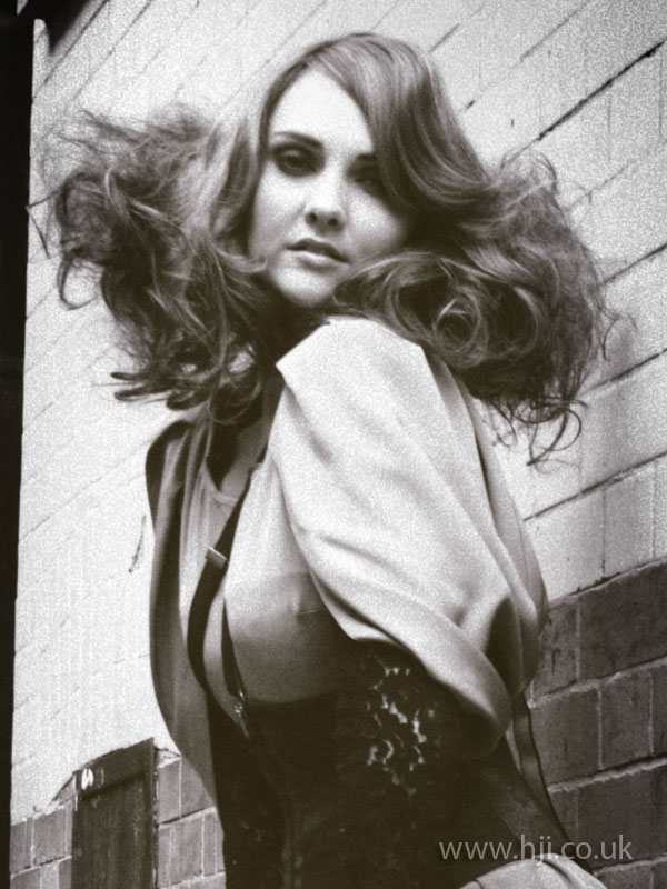 2009 wide curls1
