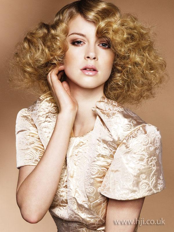 2009 wide curls3