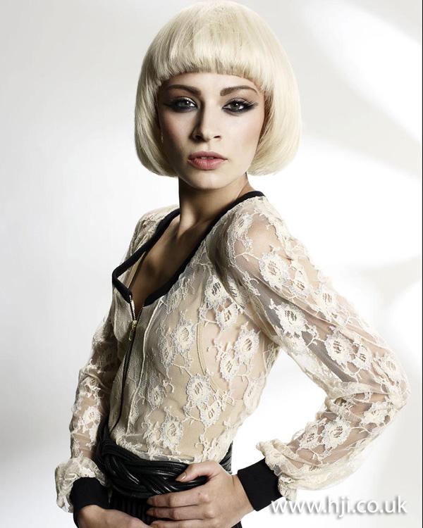 blonde bob hairstyle 2011