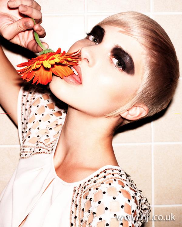 2011 blonde crop5