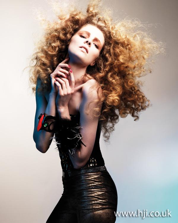 2011 blonde curls7