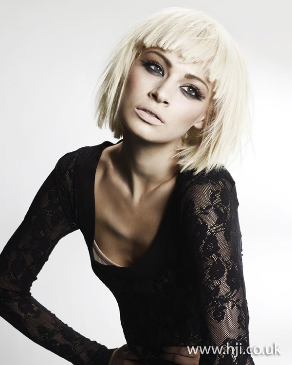 blonde layered bob hairstyle 2011
