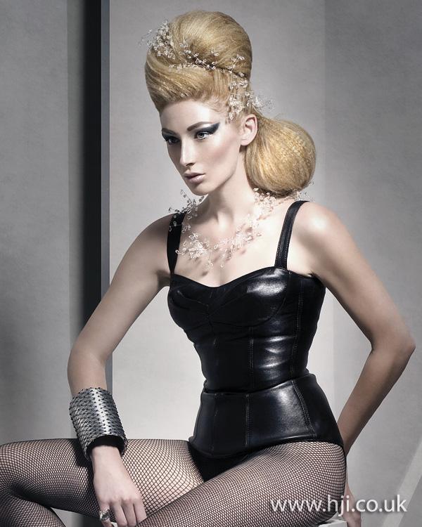 2011 blonde quiff