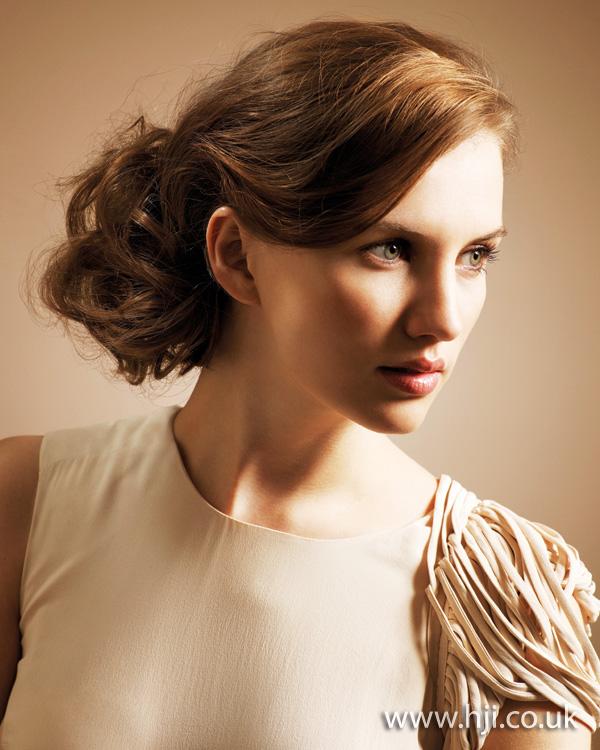 2011 brunette updo2