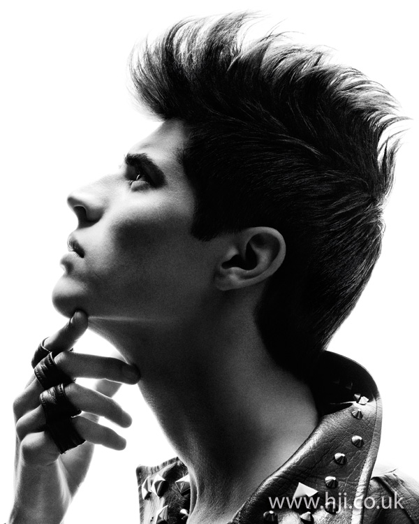 Mens Dark Hairstyle with quiff