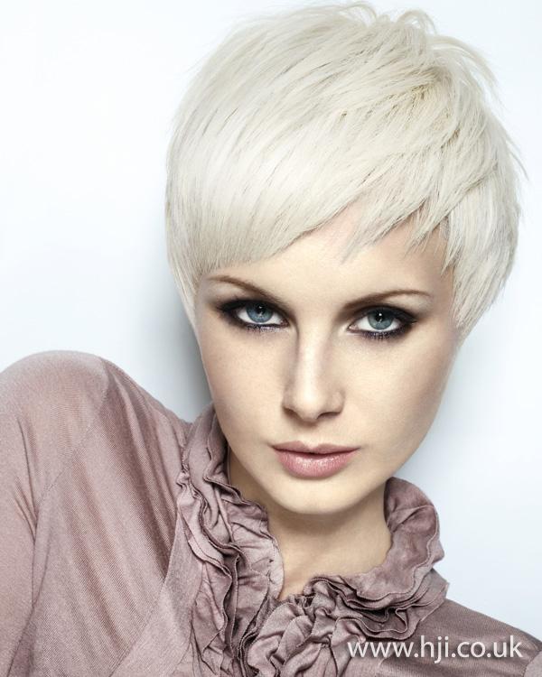 2011 short white blonde1
