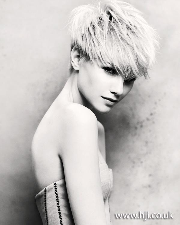 Textured blonde crop hairstyle 2011