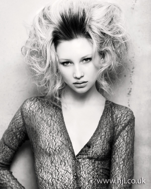 Textured curls roots hairstyle 2011