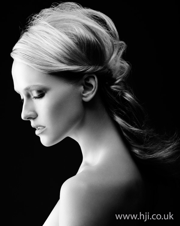 textured ponytail hairstyle - 2011