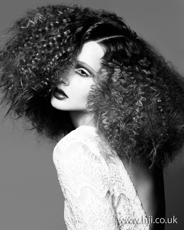 2012 big curls womens hairstyle1