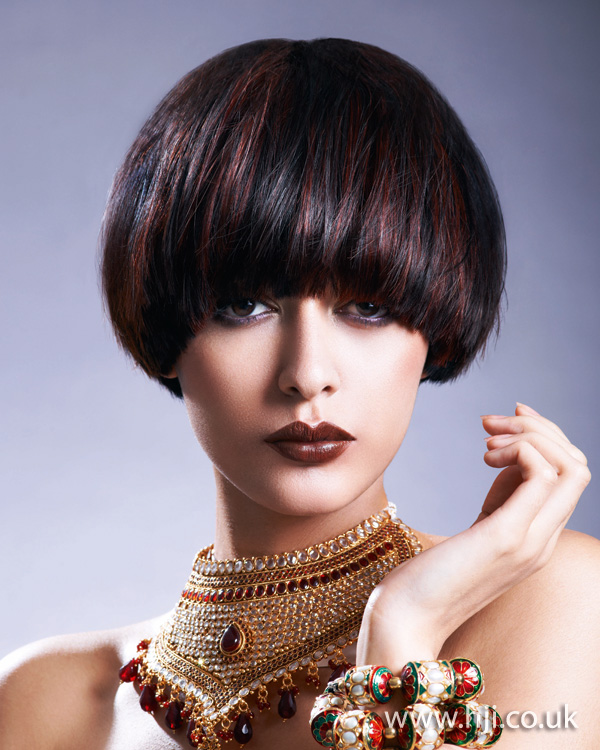2012 black and red thick short hairstyle