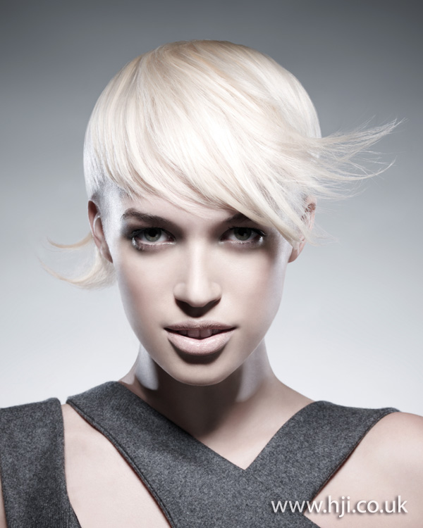 blonde flicks hairstyle from 2012