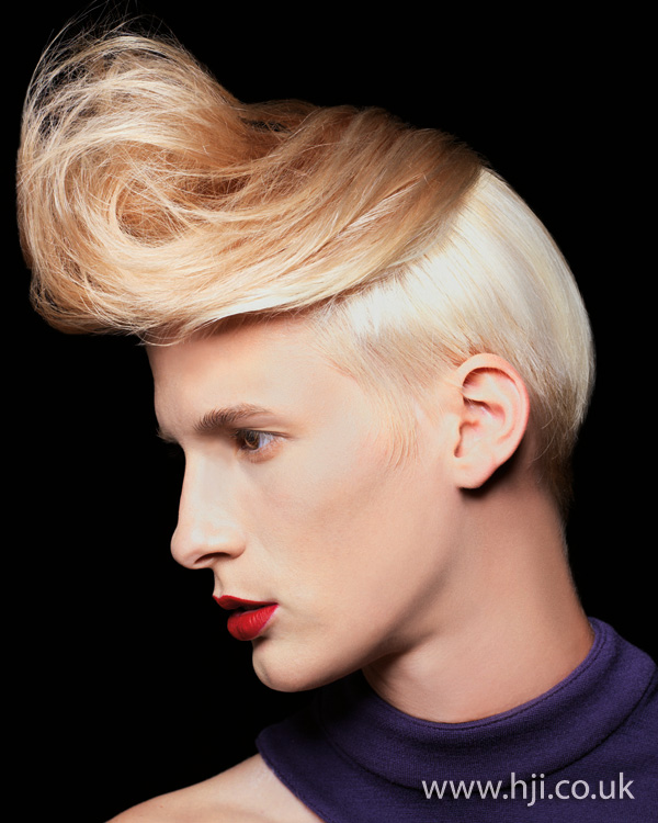 2012 blonde quiff1
