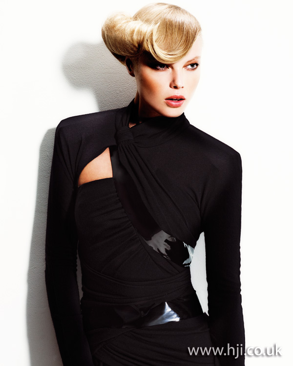 2012 blonde rolled front womens hairstyle