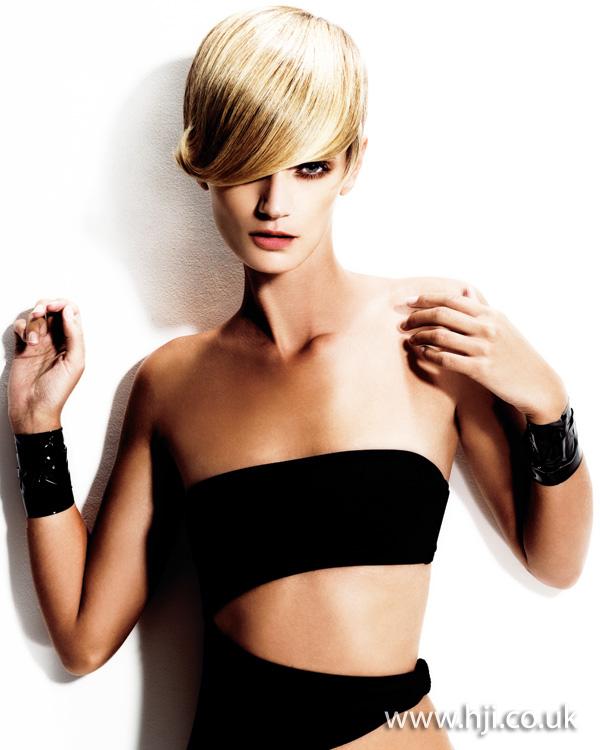 2012 blonde short side fringe hairstyle1