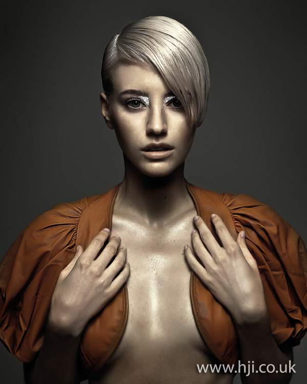 2012 blonde side fringe womens hairstyle