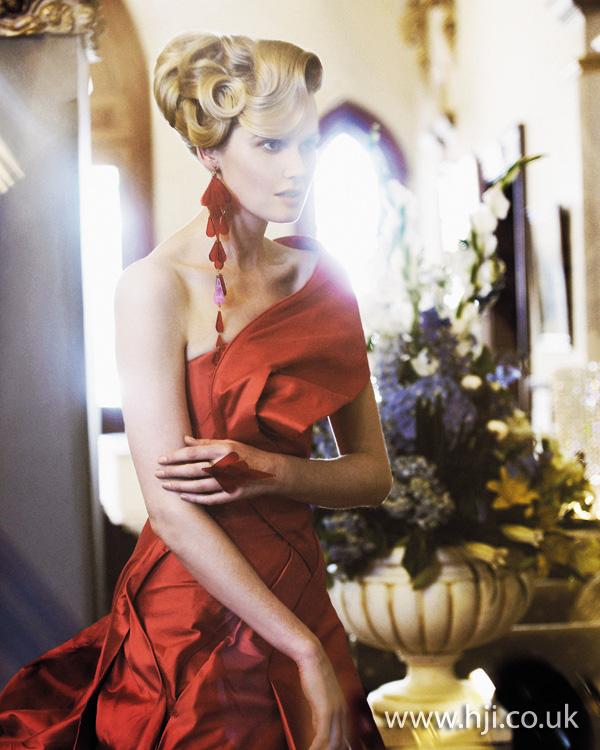 2012 blonde updo1