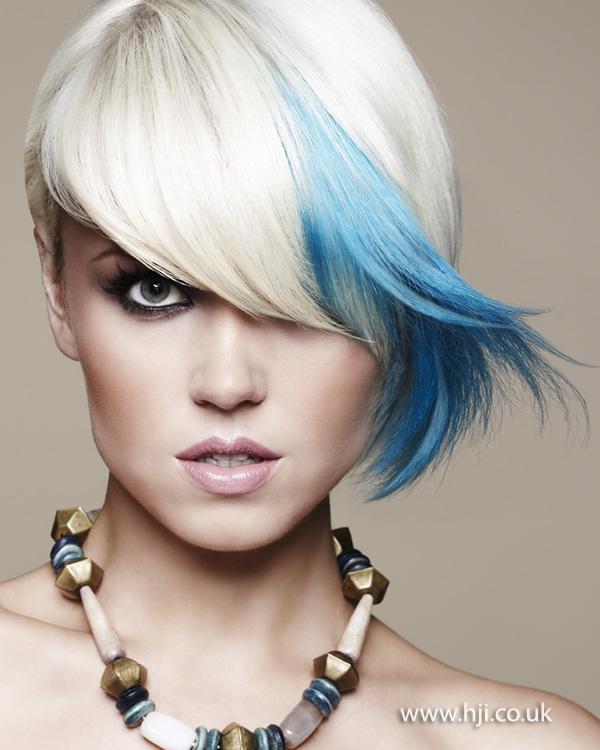 2012 blue streak fringe platinum blonde hairstyle