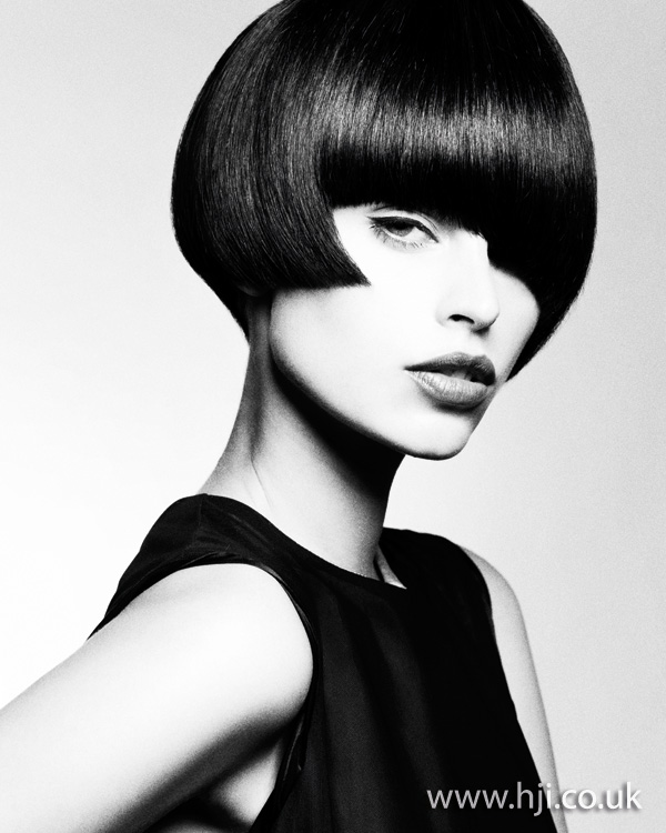 2012 brunette short womens hairstyle1