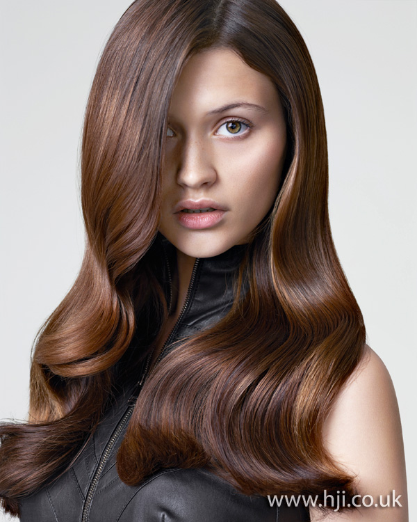 2012 long brunette wavy hair