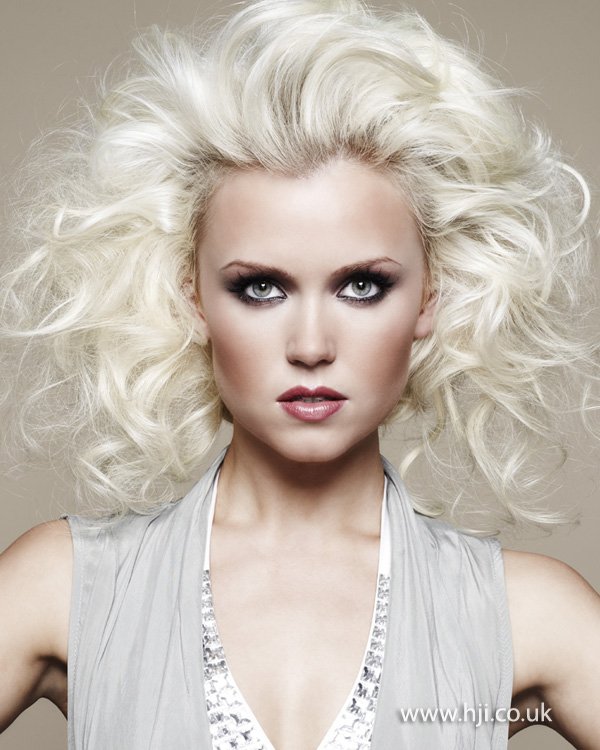 2012 platinum blonde womens curly hairstyle