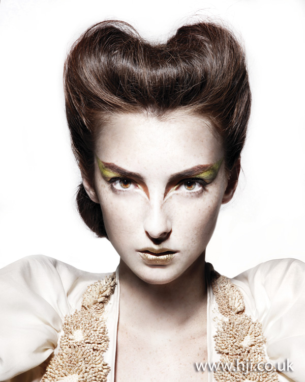 2012 rolled front womens updo