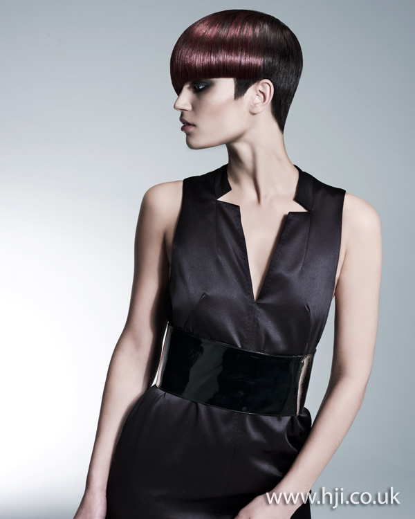 2012 short graphic brunette womens hairstyle
