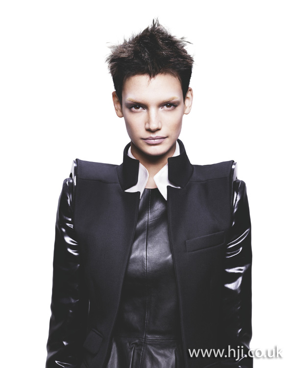 2012 short spikey womens hairstyle1