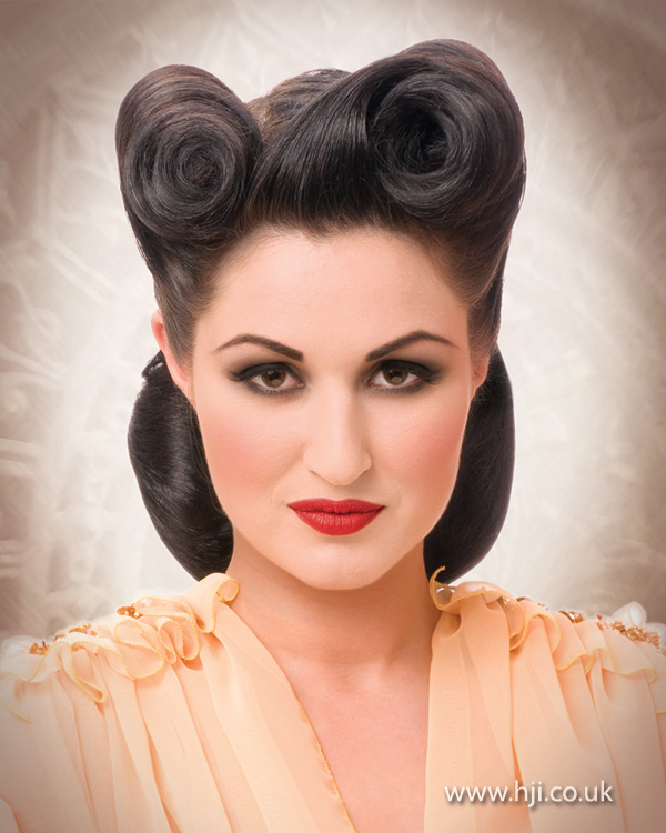 hair roll style 2012 vintage style victory rolls hairstyle 7216
