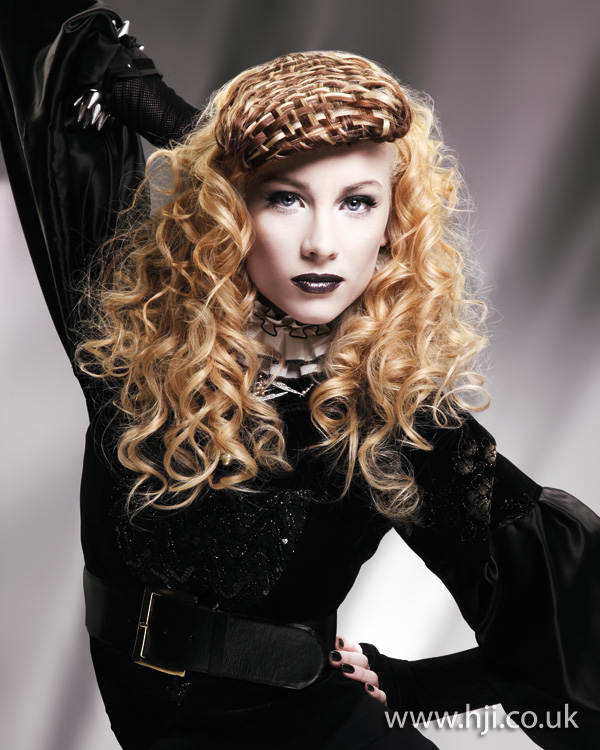 2012 womens hairstyle blonde curls