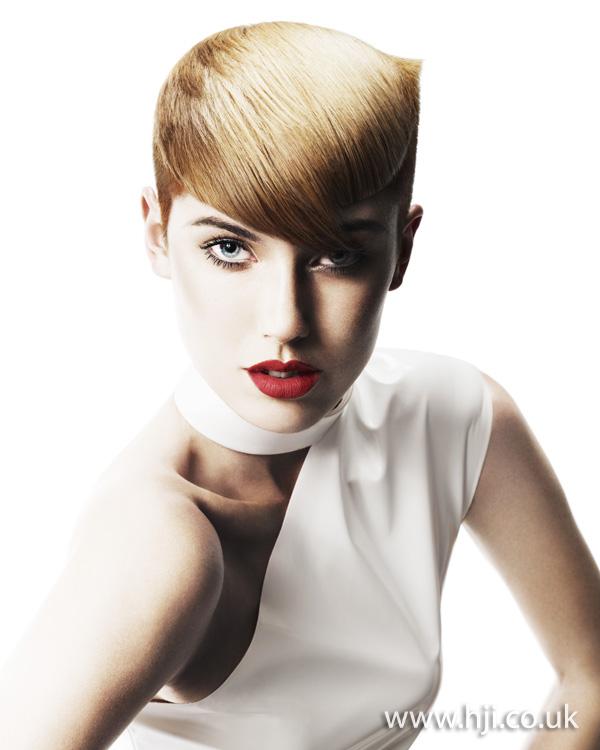 2012 womens hairstyle blonde fringe