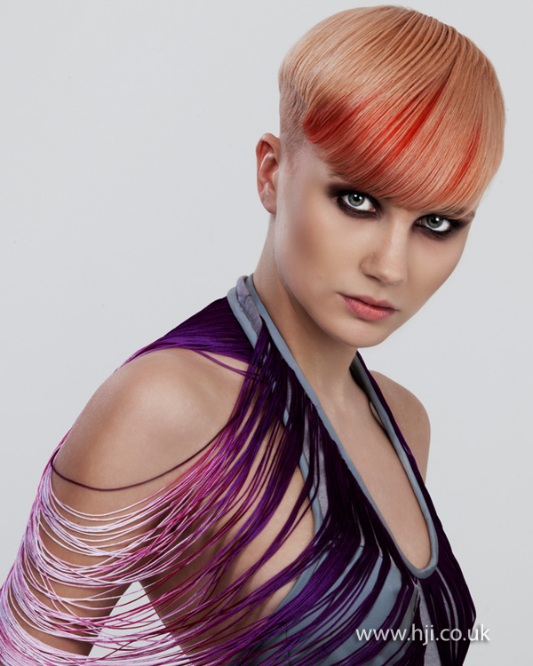 2012 womens hairstyle red and blonde streaks fringe