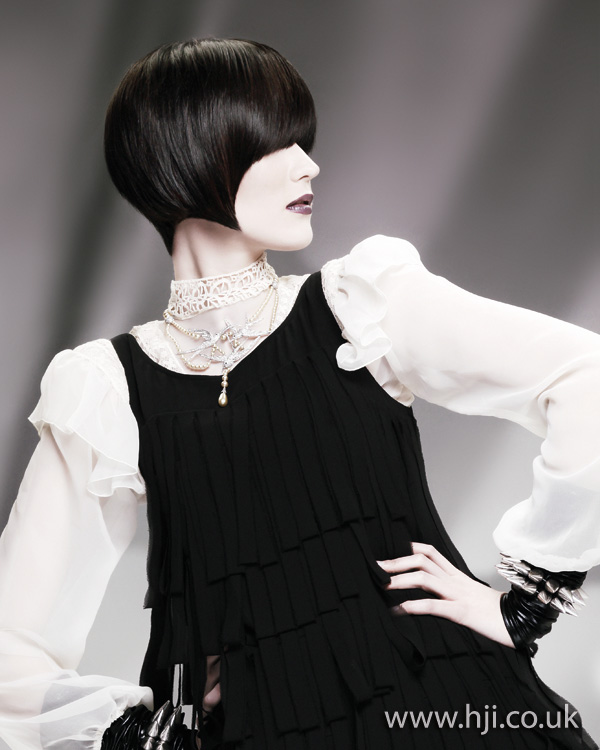 2012 womens hairstyle short fringe