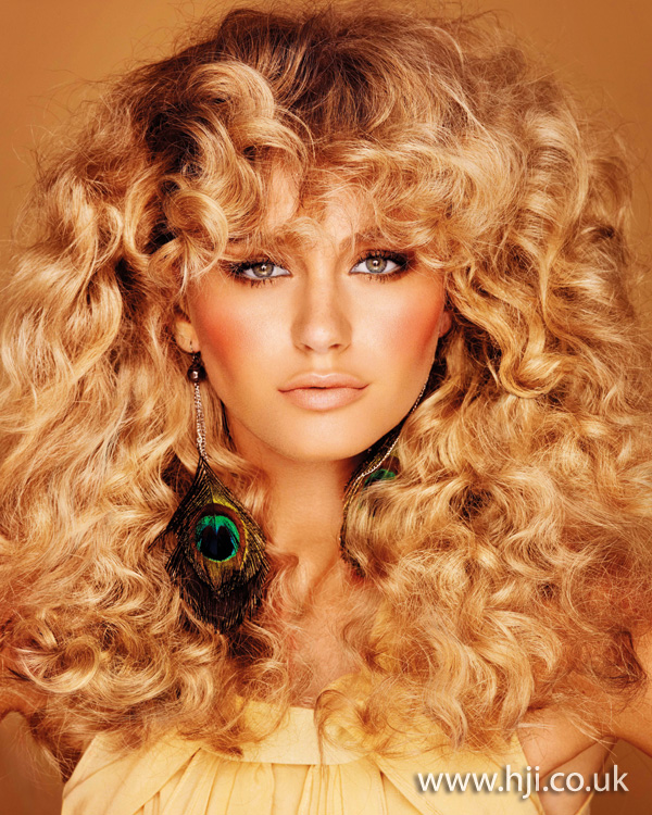 2012 womens hairstyle volume curls