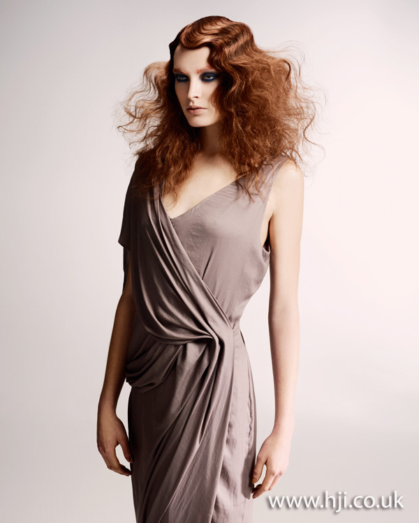 2012 womens wavy feminine hairstyle