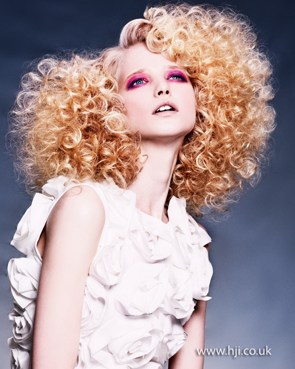 2013 big blonde curls