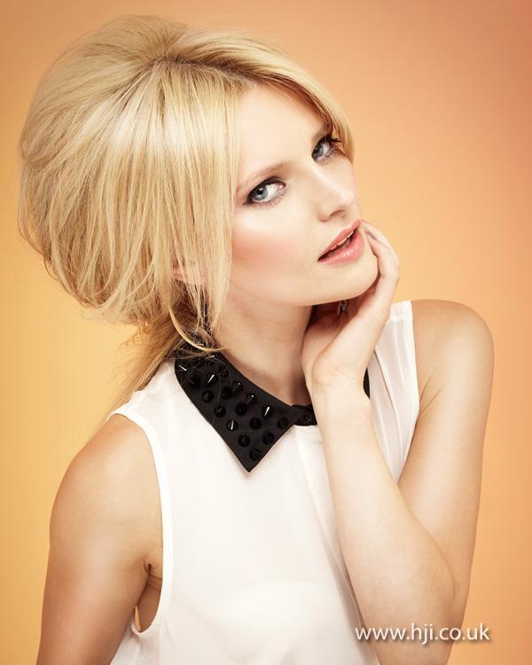 2013 blonde beehive ponytail