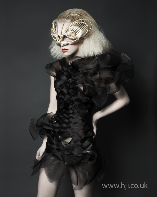 Crimped blonde bob with mask