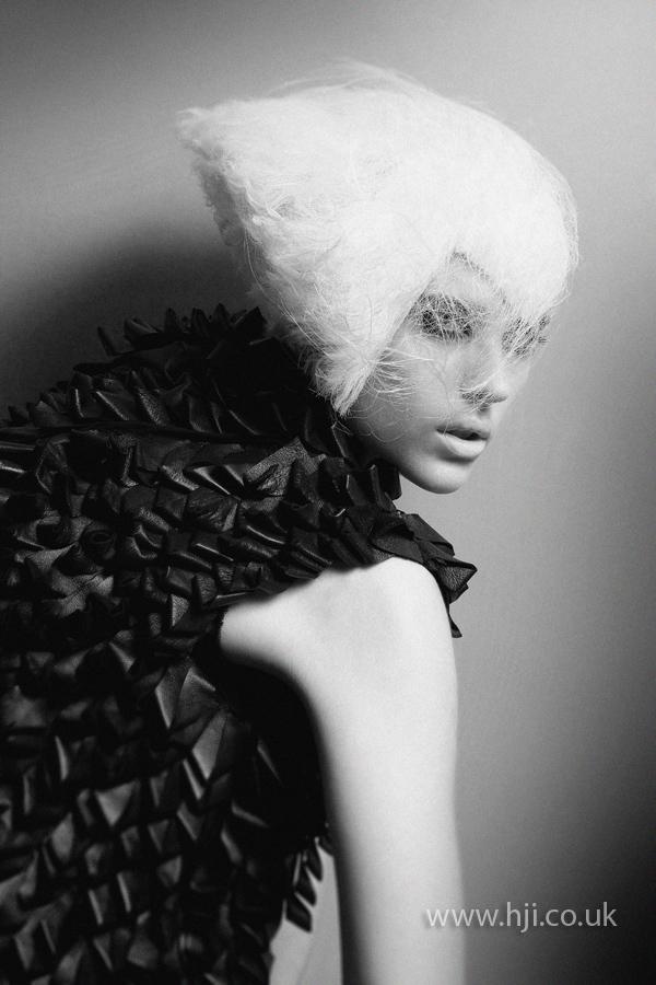 Blonde hat style avant garde