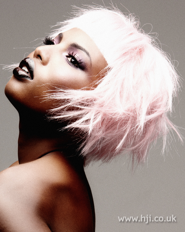 Light pink short hairstyle with visor fringe