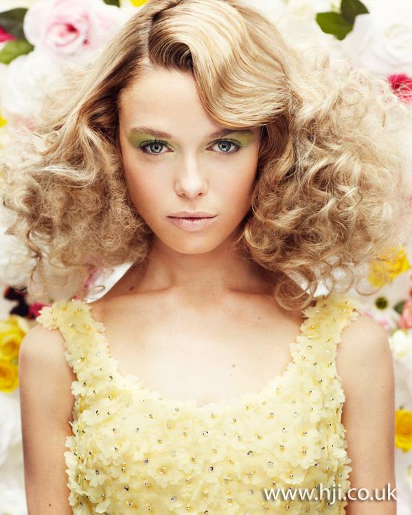 2013 blonde curls hair