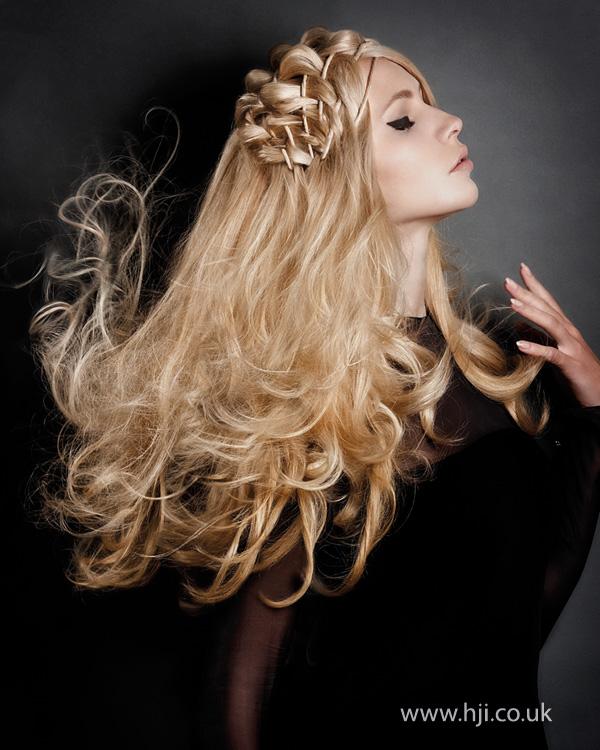 2013 blonde textured long hair