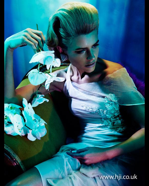 2014 blonde glamour quiff
