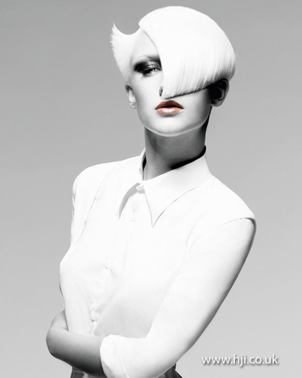 2013 smooth bleach blonde short
