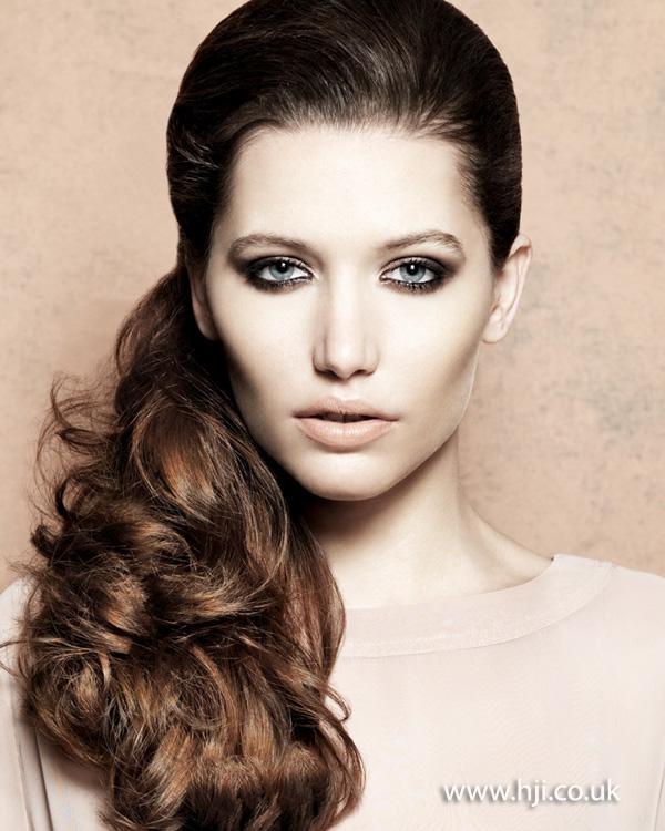 2013 volume brunette ponytail