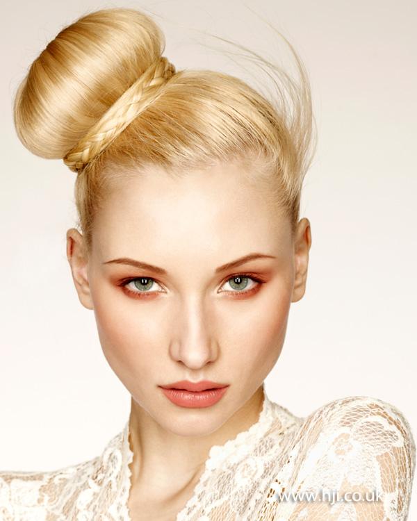 2013 blonde bun plait