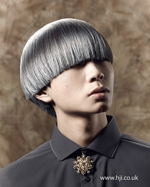 2015 strong bowl cut with silver colour